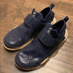 Nike x Stone Island sock dart obsidian size 9